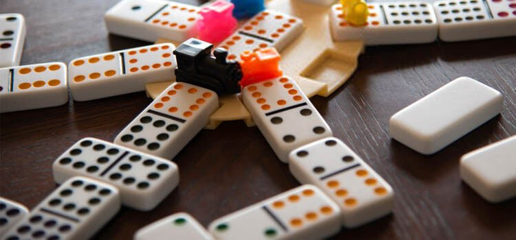 Mexican Train Domino Set Buying Guide