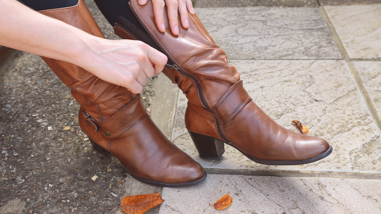 Cleaned Women Tan Leather Boots