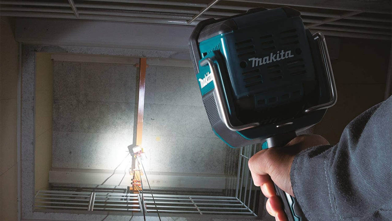 Makita 18v Flashlight